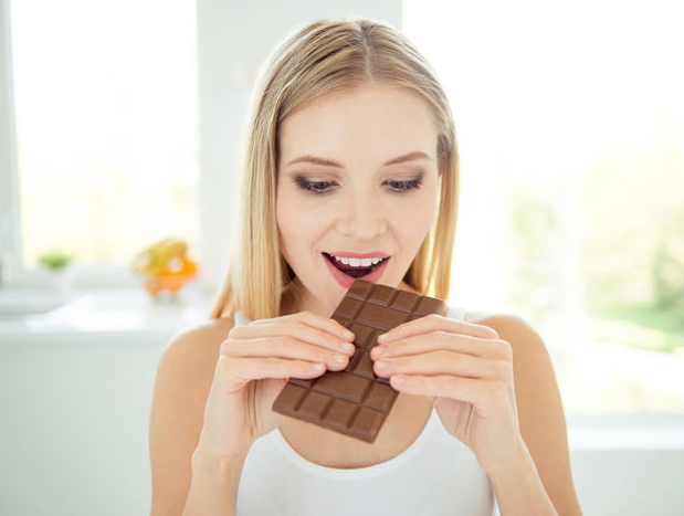 Черный шоколад съедим, здоровье зубам сохраним?