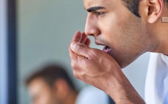 Неприятный запах изо рта – как от него избавиться